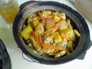 Sweet sour chicken clay pot